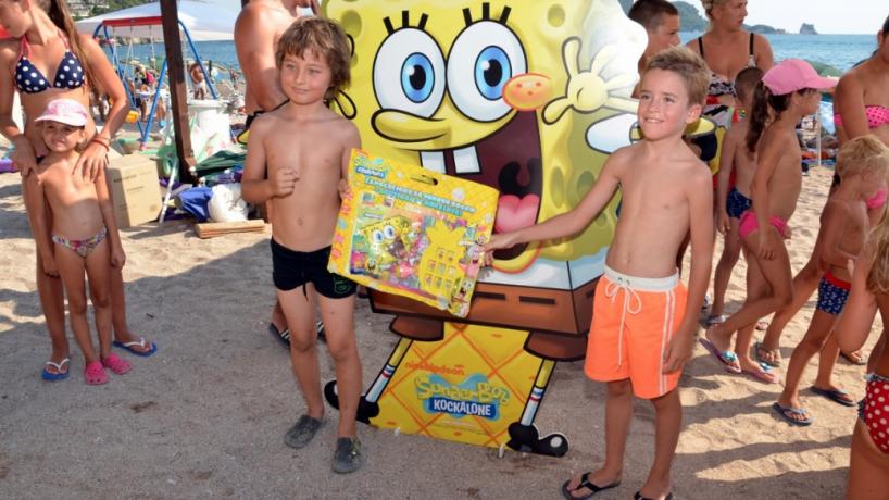 Sunđer Bob iznenadio mališane na Slovenskoj plaži